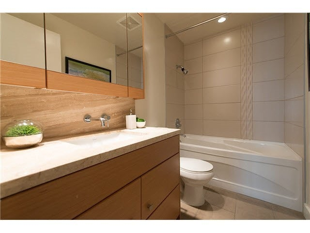 701 1277 MELVILLE STREET - Coal Harbour Apartment/Condo for sale, 2 Bedrooms (R2015542) #19